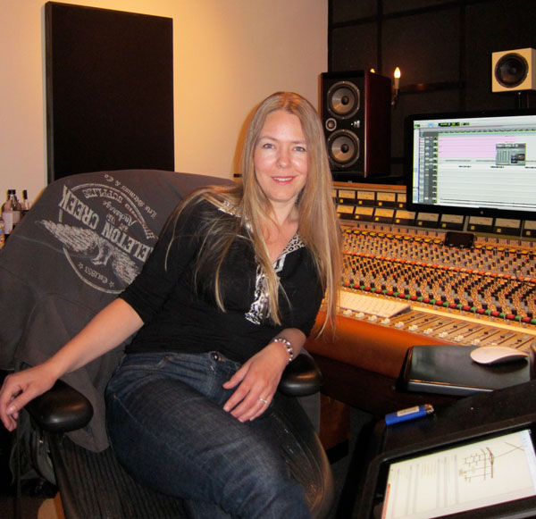 Juruda at mixer console
